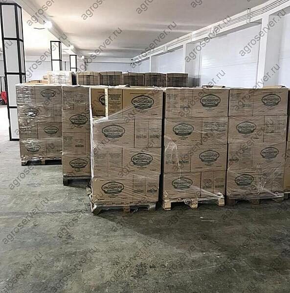 Картонные коробки с подсолнечным маслом на европоддоне