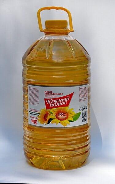 Масло подсолнечное рафинированное дезодорированное торговой марки Южный полюс в ПЭТ бутылке 5 литров