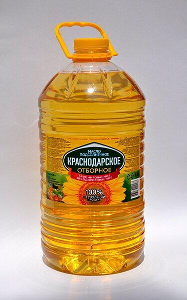 Масло подсолнечное рафинированное торговой марки Краснодарское отборное в ПЭТ бутылке 5 литров